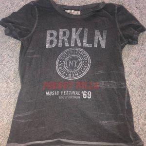 gray brkln t shirt